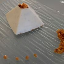 Pyramide vanille/cœur praliné