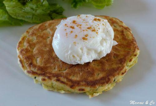 oeuf_poché_sur_pancake_épicé_aux_courgettes_6