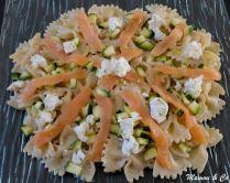 Salade crémeuse de farfalle au saumon fumé