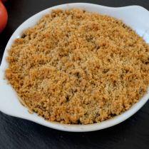 Crumble de tomates et courgettes aux noisettes