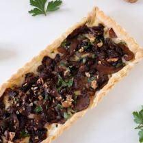 Tarte fine aux champignons et au gorgonzola