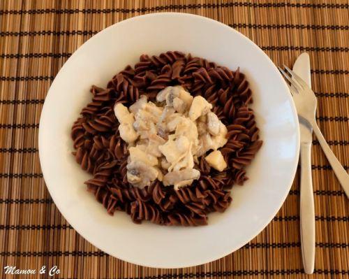 émincé de poulet aux champignons et à la crème_3