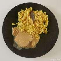 Rôti de porc au lait et tagliatelles au curry