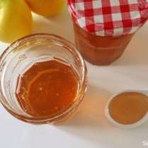 Gelée de pommes anti-gaspi avec les épluchures
